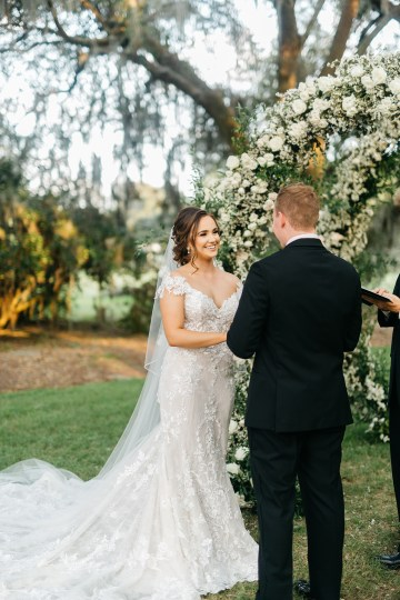 Magical Intimate Southern Wedding Under The Oak Trees – Pure Luxe Bride – Lydia Ruth Photography 37