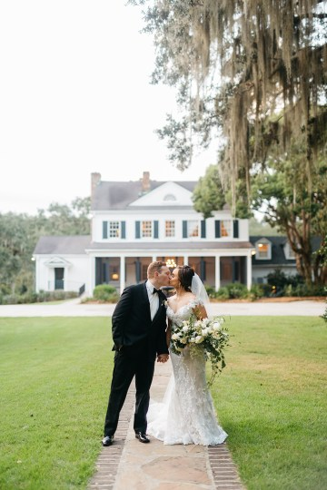 Magical Intimate Southern Wedding Under The Oak Trees – Pure Luxe Bride – Lydia Ruth Photography 47