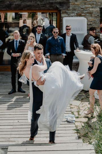 Pretty Meadow Wedding in the Czech Republic – Carols Darkroom 27