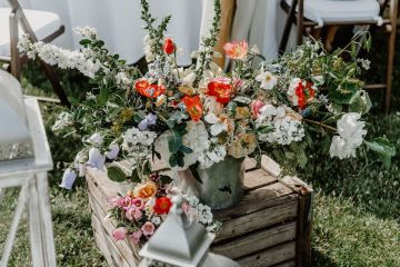 Pretty Meadow Wedding in the Czech Republic – Carols Darkroom 5
