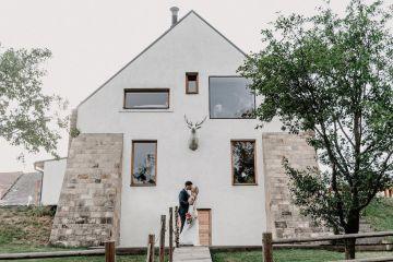 Pretty Meadow Wedding in the Czech Republic – Carols Darkroom 7