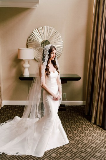 Ornate Jewish Ballroom Wedding with the Brides Grandmothers Wedding Dress – Danielle Harris Photography 11