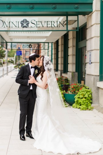 Ornate Jewish Ballroom Wedding with the Brides Grandmothers Wedding Dress – Danielle Harris Photography 22