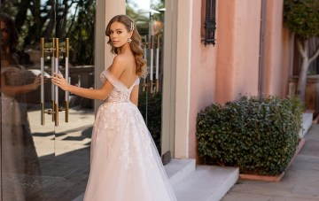 10 Lace Wedding Dresses In Every Silhouette You Love