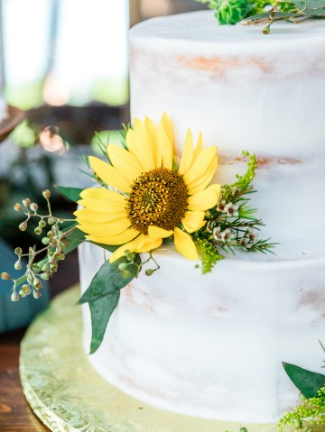 Intimate Summer Cottage Wedding – Rachel Ann Media 10
