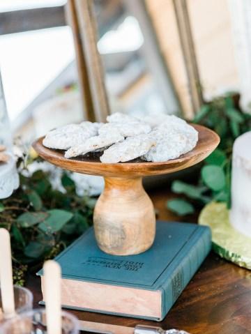 Intimate Summer Cottage Wedding – Rachel Ann Media 11