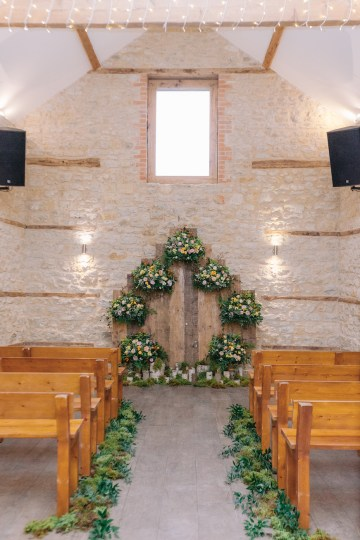 Rustic UK Barn Wedding Inspiration – Elsie Love Photography – Kimberley Rose Designs 28