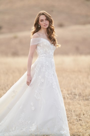 Wedding Postponement Guide – Gorgeous Allure Bridals Wedding Dresses for Your Bridal Photoshoot – 3369-AD2