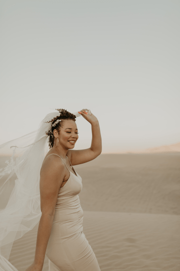 Desert Sand Dune Wedding Inspiration with Natural Hair Ideas for Black Brides – Tor Hawley – The LAW Bridal 32