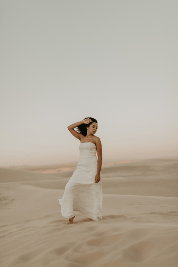 Desert Sand Dune Wedding Inspiration with Natural Hair Ideas for Black Brides – Tor Hawley – The LAW Bridal 39