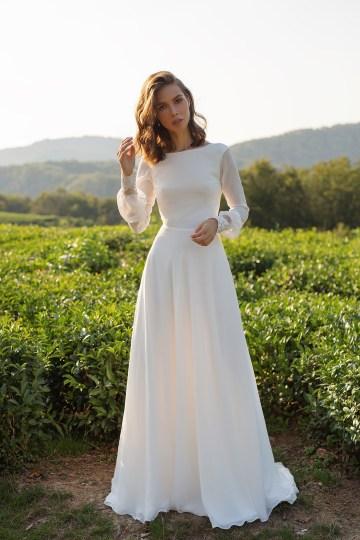 Feminine Simple Minimalistic Wedding Dresses by Mila Bridal 2020 2021 – Bridal Musings 13