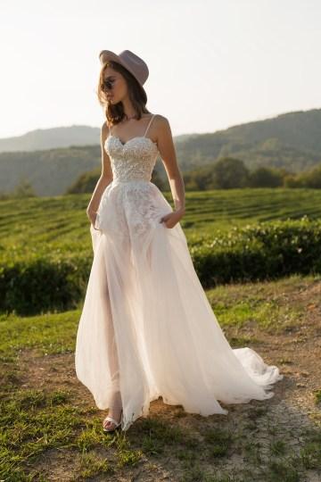 Feminine Simple Minimalistic Wedding Dresses by Mila Bridal 2020 2021 – Bridal Musings 18