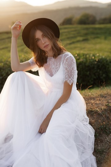 Feminine Simple Minimalistic Wedding Dresses by Mila Bridal 2020 2021 – Bridal Musings 29