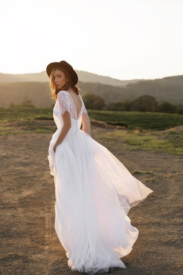 Feminine Simple Minimalistic Wedding Dresses by Mila Bridal 2020 2021 – Bridal Musings 30