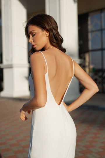 Feminine Simple Minimalistic Wedding Dresses by Mila Bridal 2020 2021 – Bridal Musings 31
