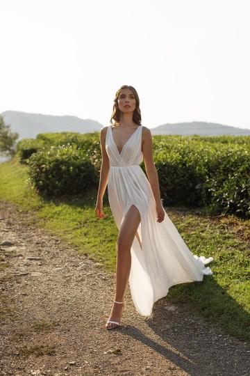 Feminine Simple Minimalistic Wedding Dresses by Mila Bridal 2020 2021 – Bridal Musings 9