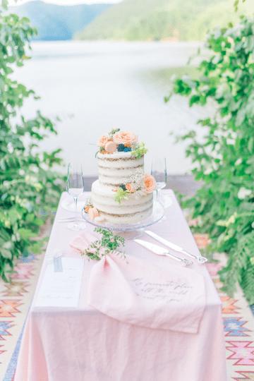 Beautiful and Ethereal Romanian Wedding Inspiration at Tarnita Lake – Ioana Porav Photography 44