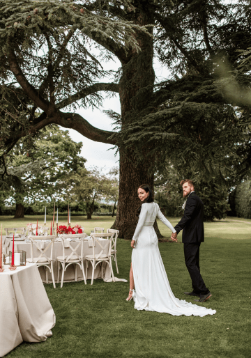Fashion-forward Countryside Wedding Inspiration – Elmore Court – Laura Martha Photography 37