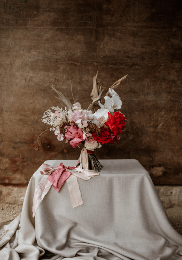 Fashion-forward Countryside Wedding Inspiration – Elmore Court – Laura Martha Photography 63