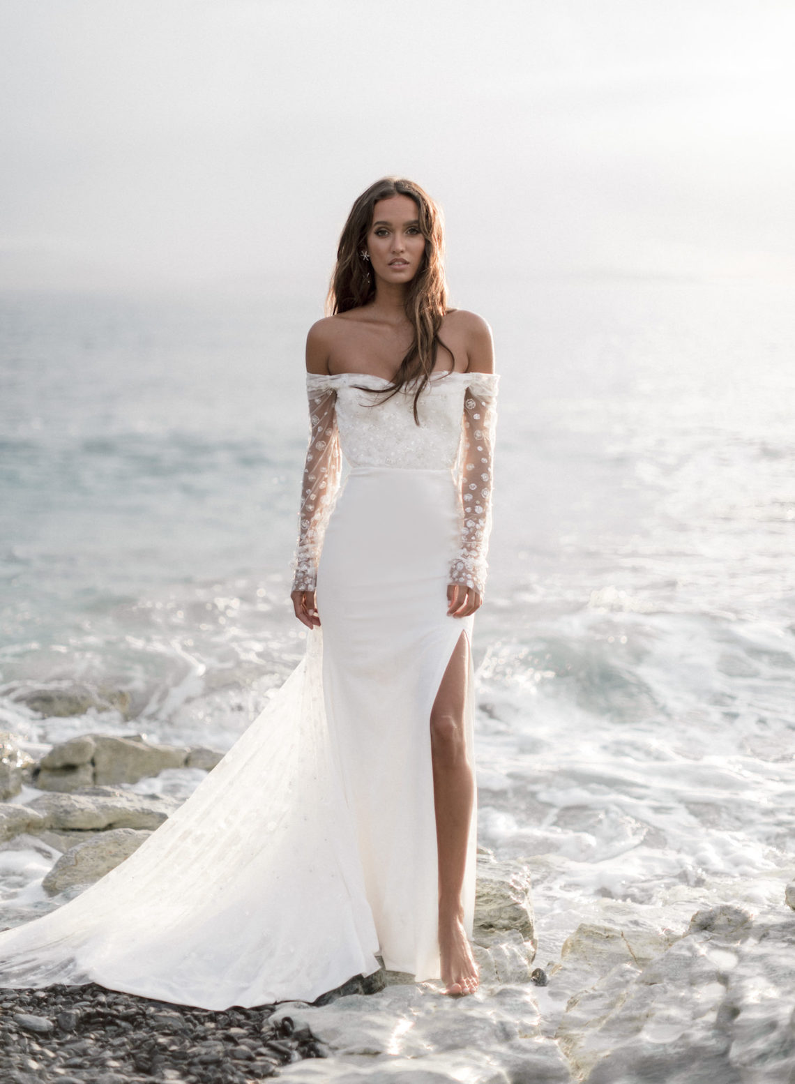 2021 Long Sleeves Wedding Dresses Full Lace Appliques