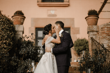 Romantic Spanish Destination Wedding in Barcelona – Andrea Ferrara 6