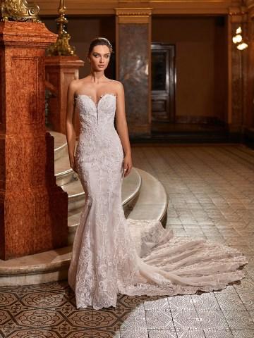 Extravagant Wedding Dresses for 2021 2022 – Val Stefani – Bridal Musings – D8273 A
