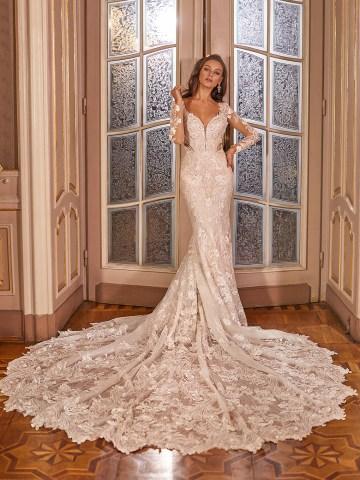 Extravagant Wedding Dresses for 2021 2022 – Val Stefani – Bridal Musings – D8276 A