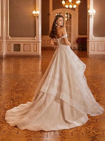 How to Plan A Luxurious Wedding At Home – Moonlight Bridal – Bridal Musings – J6823_B