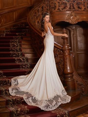 How to Plan A Luxurious Wedding At Home – Moonlight Bridal – Bridal Musings – J6826_B