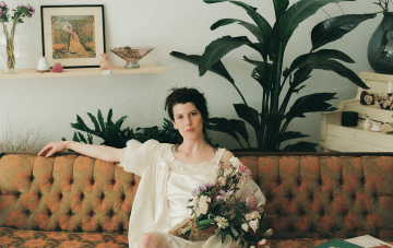 Low-key Parisian Bridal Inspiration For A Vintage-Loving Bride