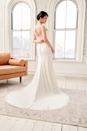 Lyra Vega Online Wedding Dresses Made-to-Measure Under 1200 – Bridal Musings 59