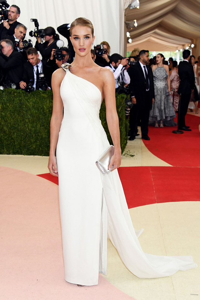 026-MetGala2016-rosie-huntington-whiteley-ralph-lauren-collection