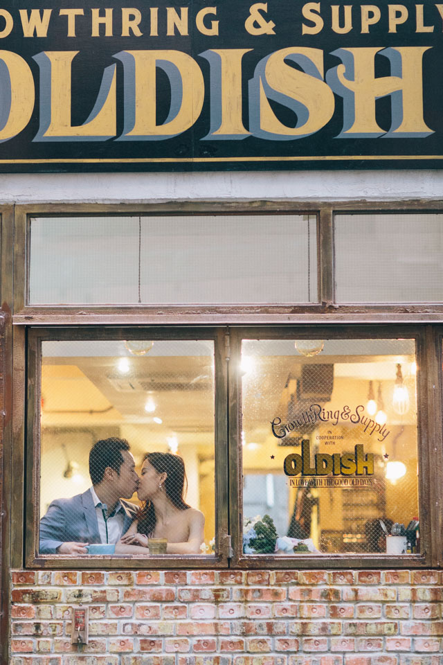 FrenchGrey-Hongkong-Jomanwedding-Noelchuatelier-AngelicaFleurs-Central-cafe-pier-engagement-011