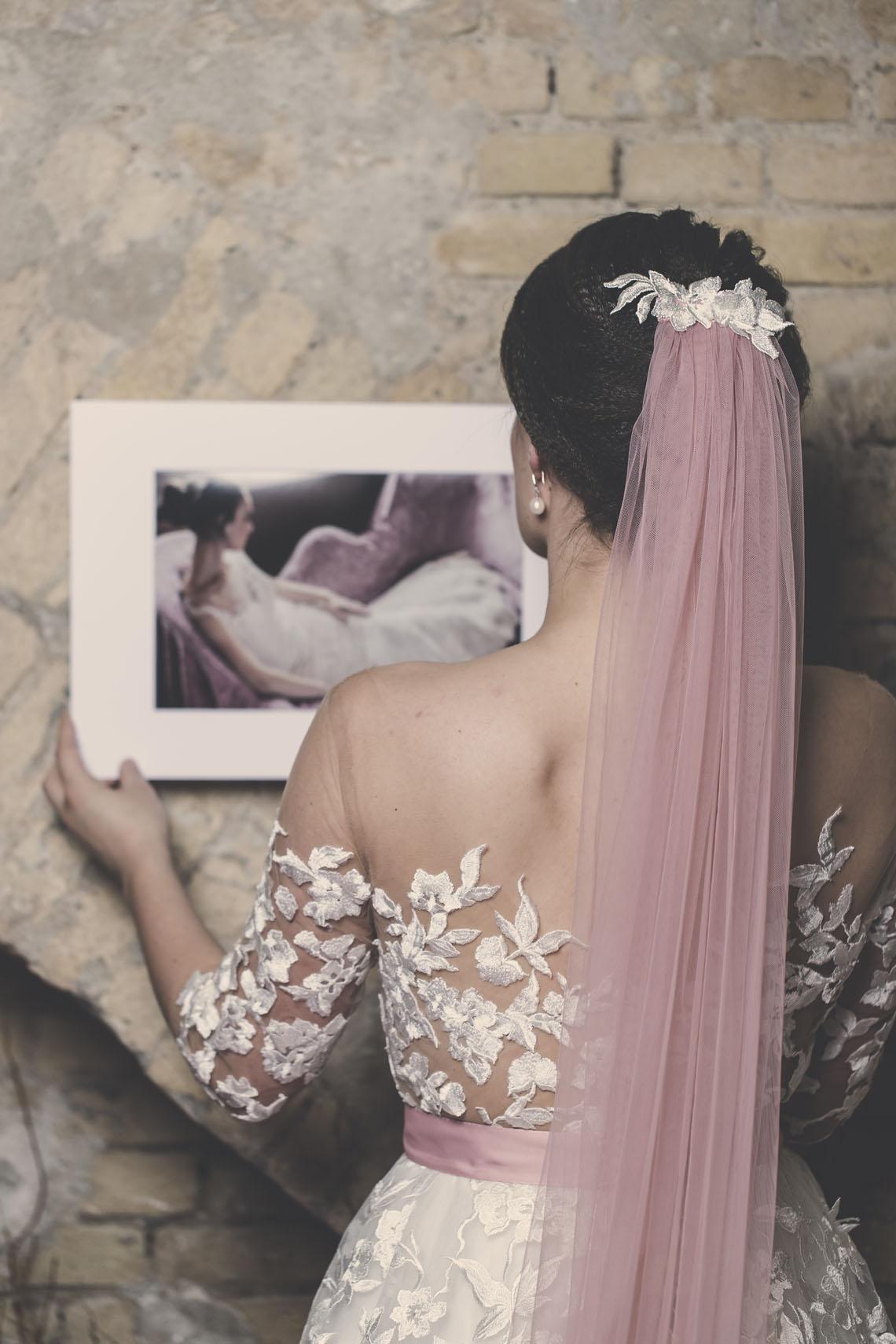 Lyserødt brudeslør fra bryllupsklub