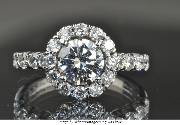 Expert Tips on Choosing a Classic Vintage Engagement Ring