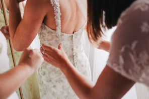 4 ways to feel as comfortable as you look beautiful on your wedding day