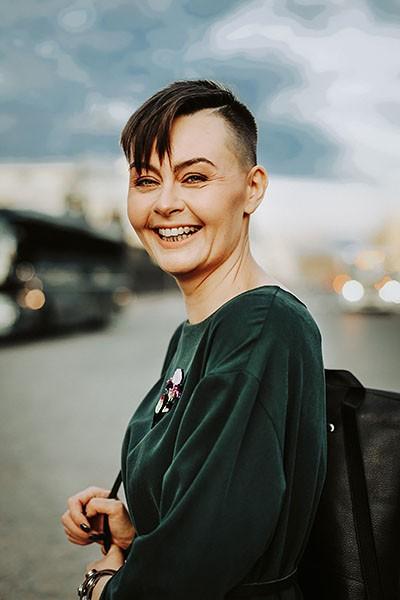 Yuli rencontre femme ukraine parlant francais