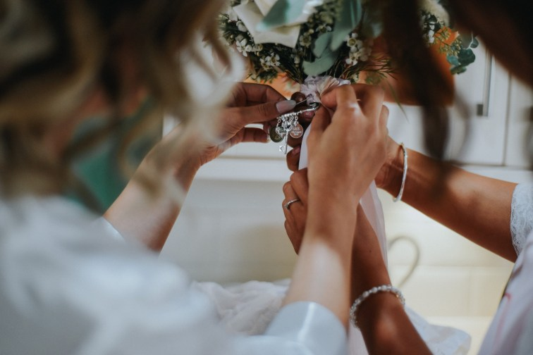 A Rustic Wedding at Oaktree Of Peover (c) Bobtale Photography (14)