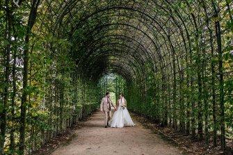 A Stylish Wedding at Alnwick Garden (c) Michal Ufniak (70)