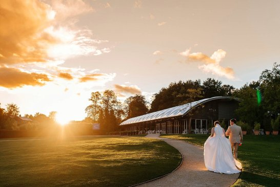 A Stylish Wedding at Alnwick Garden (c) Michal Ufniak (98)