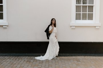 Ghost Orchid Minimal Bride In The City (c) Charlotte Ridley (33)