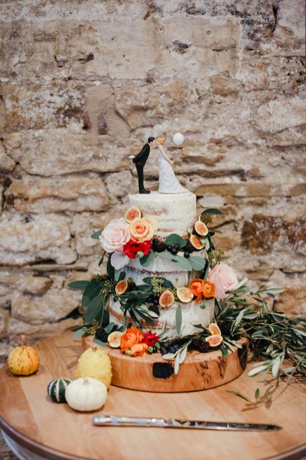A Boho Luxe Wedding at Healey Barn (c) Helen Russell Photography (37)