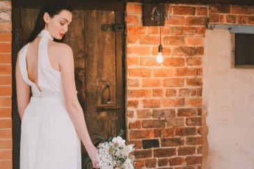 An Industrial Glam Bridal Shoot at Deighton Lodge (c) Littles and Loves Photography (21)