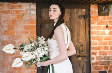 An Industrial Glam Bridal Shoot at Deighton Lodge (c) Littles and Loves Photography (22)