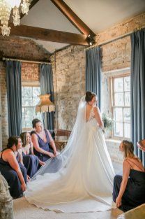 Stella York for a Romantic Wedding at Le Petit Chateau (c) Helen Russell Photography (10)