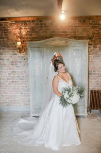 Stella York for a Romantic Wedding at Le Petit Chateau (c) Helen Russell Photography (12)