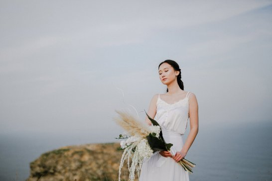 A Contemporary Coastal Bridal Shoot at Marsden Rock (c) Leanne Elizabeth Photography (28)