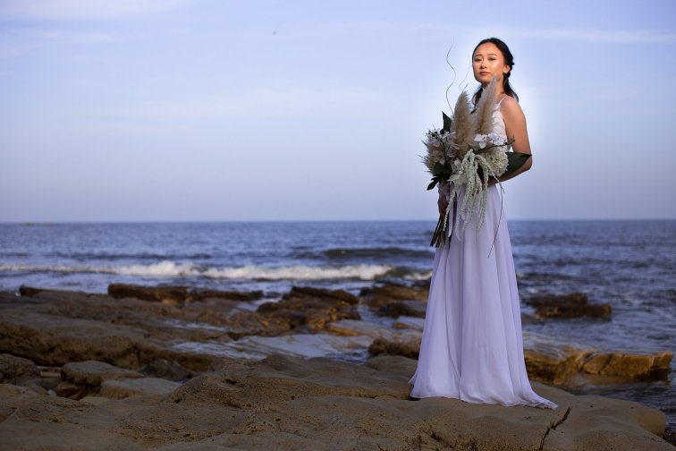 A Contemporary Coastal Bridal Shoot at Marsden Rock (c) Leanne Elizabeth Photography (8)