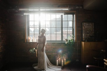 A Cool Styled Bridal Shoot at The Chimney House (c) Folega Photography (32)