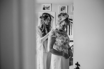 A Boho Wedding in The Peak District (c) Ellie Grace Photography (25)